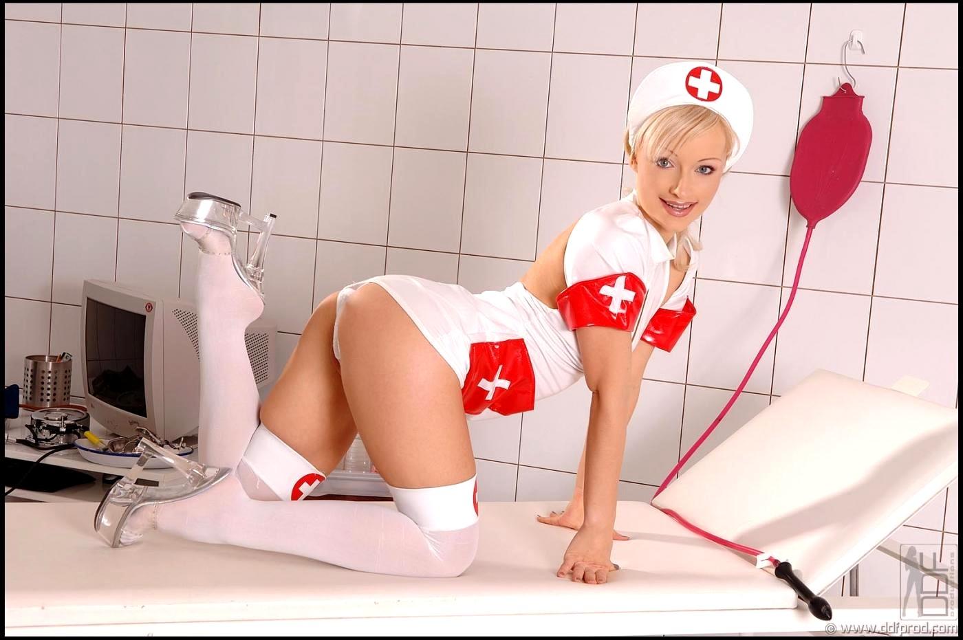 Красивые Обнаженные Медсестры