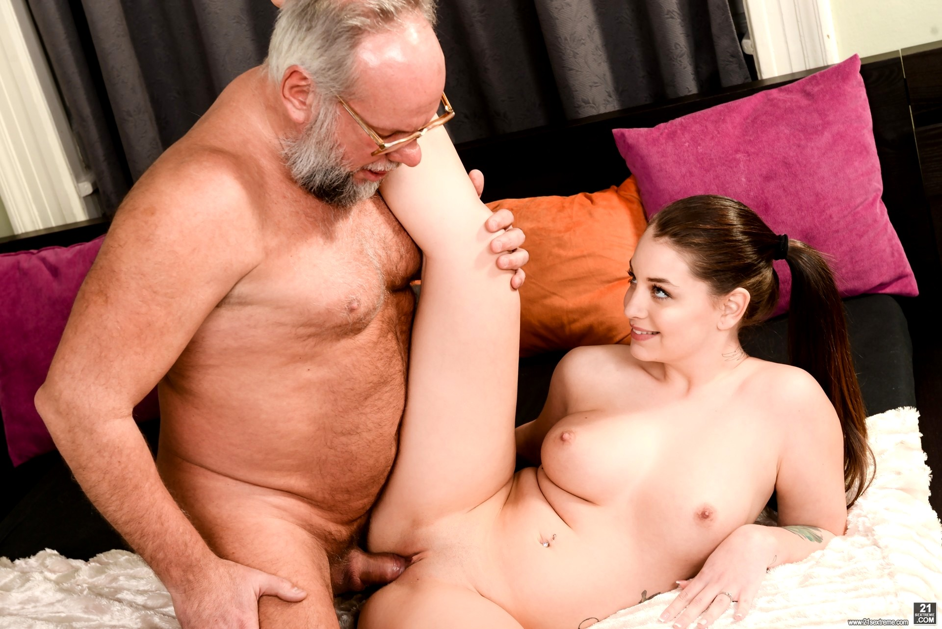 Milena devi cutie joins an old man for an anal fuck