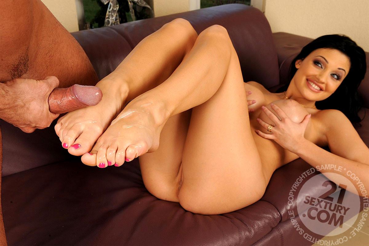 Free naked celeb feet pics 5