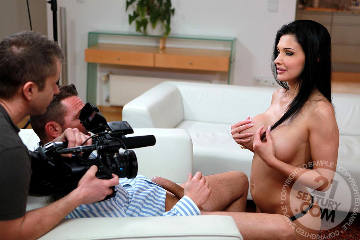Смотреть съемки на камеру звезд порно