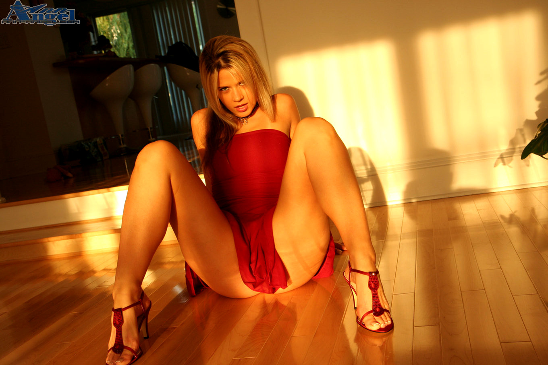 Порно короткое платьице 5