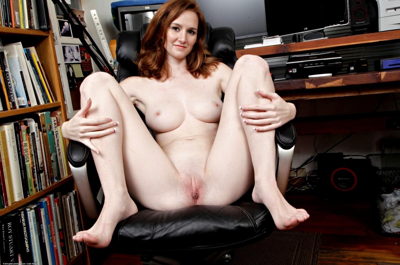 Porn pics deedee, teaseum nude model