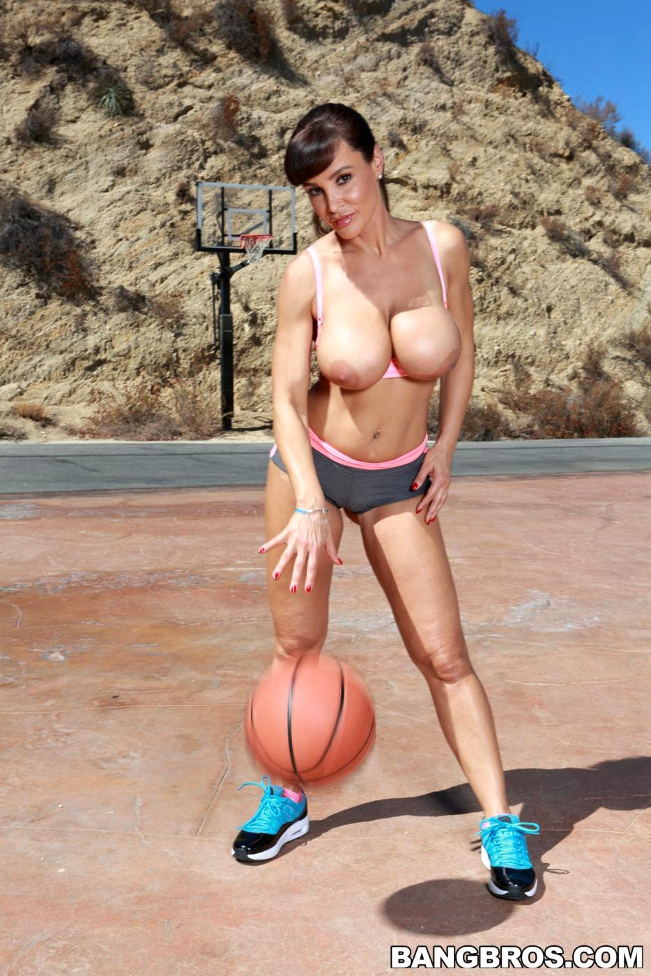 Basketball boobs naked — photo 7