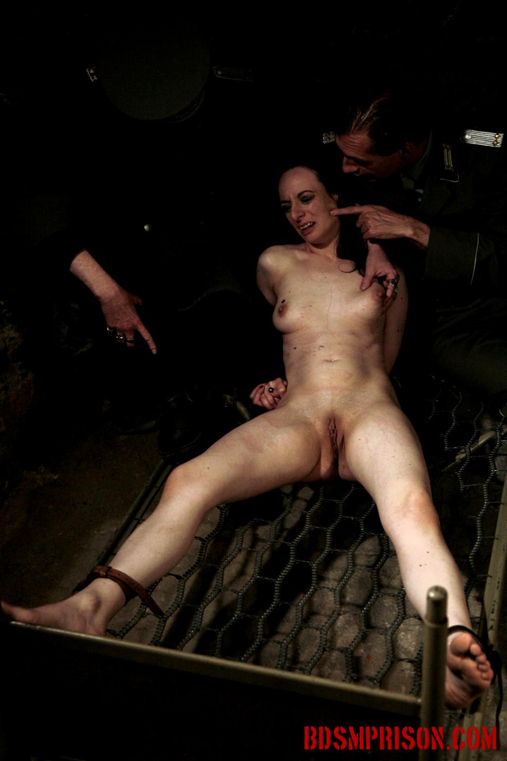 Выпуклая наказание в тюрьме бдсм порно