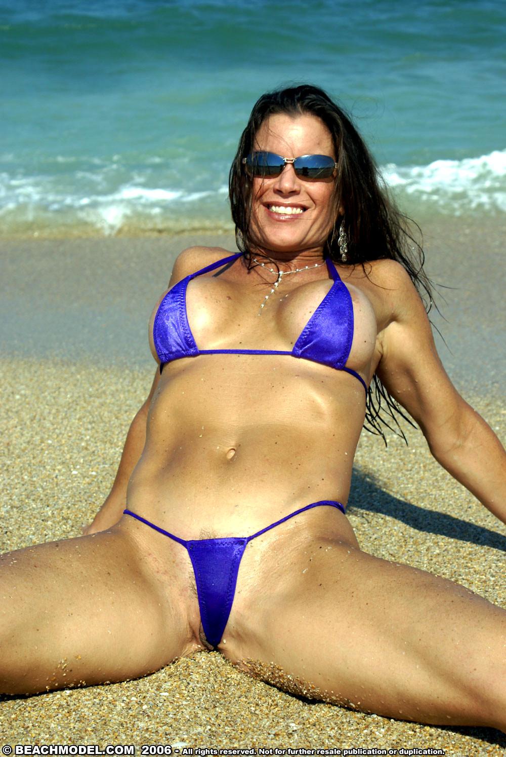 Kapoor milf in extreme micro bikini