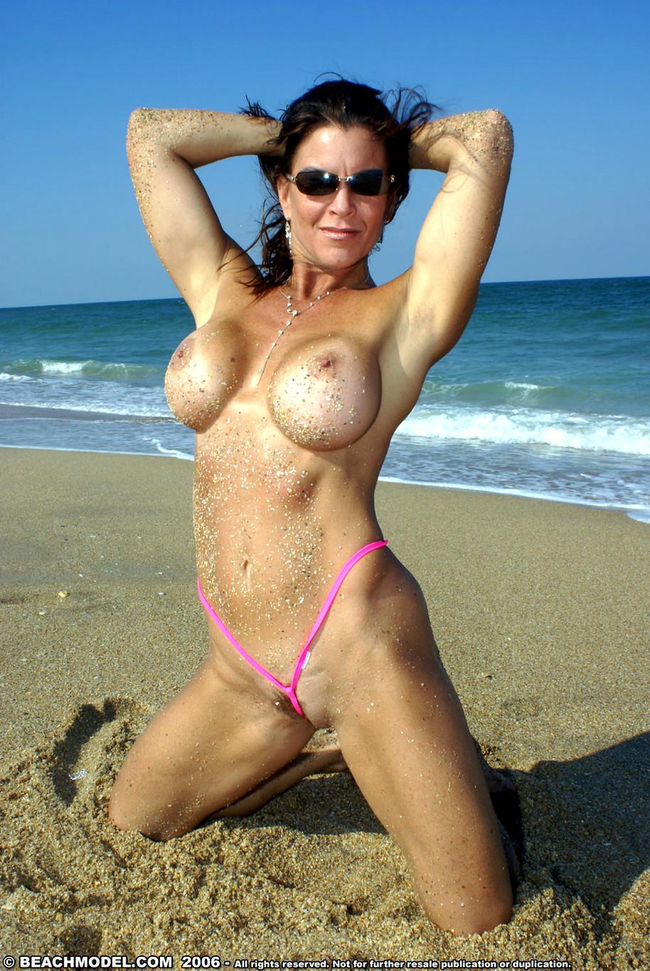 Hot Cougar In Bikini