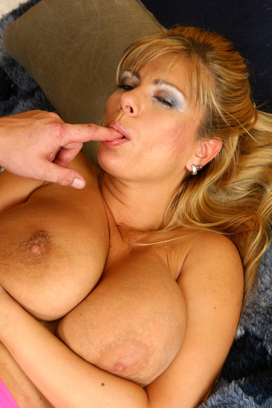 Big tit blonde milf pornstar