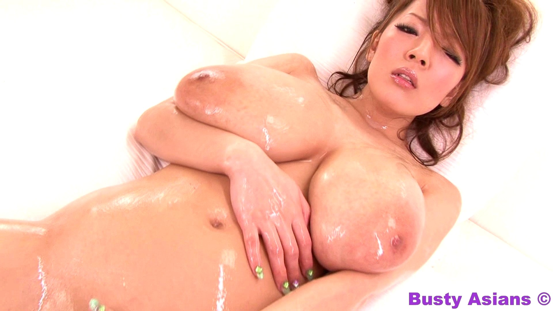 porno-video-aziatka-bolshie-doyki