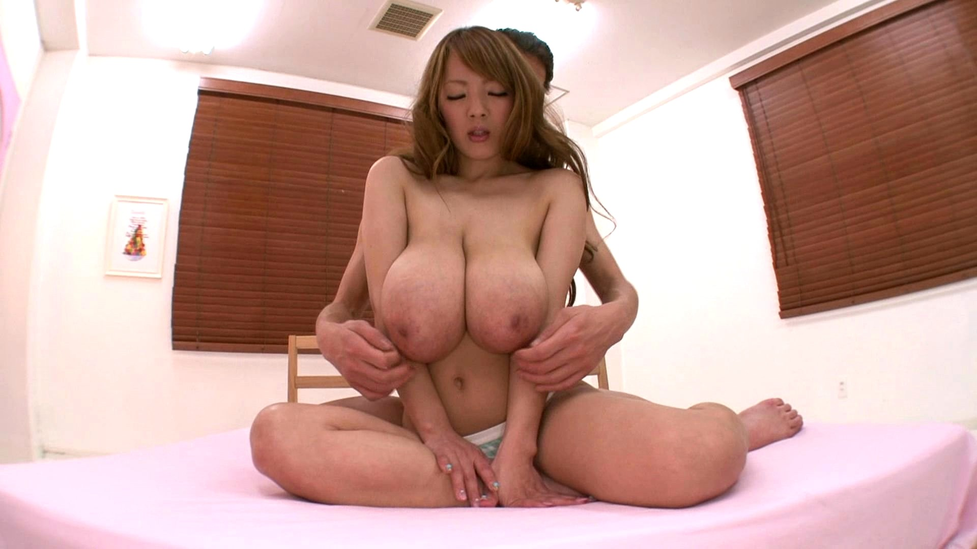 Жесткое порево японки с большими грудями — img 3