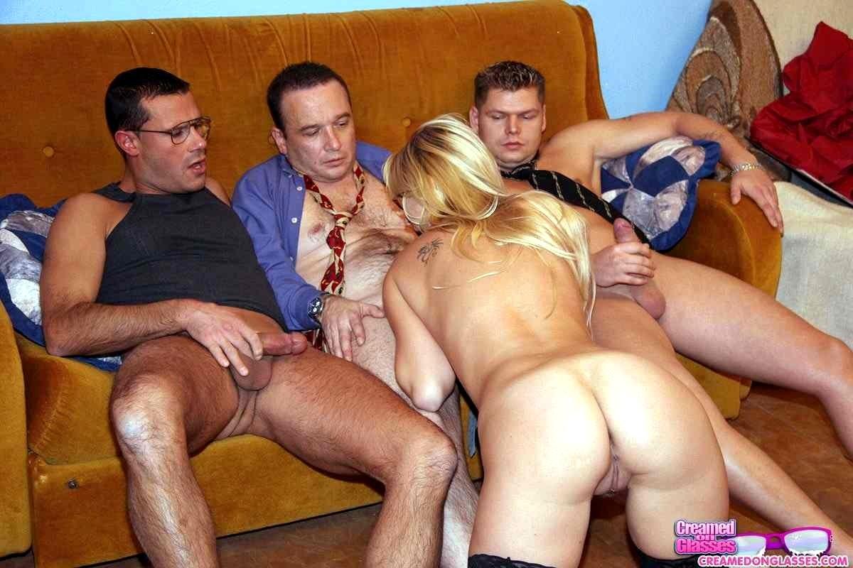 как снимают порно русскую проститутку домашнее скрытая