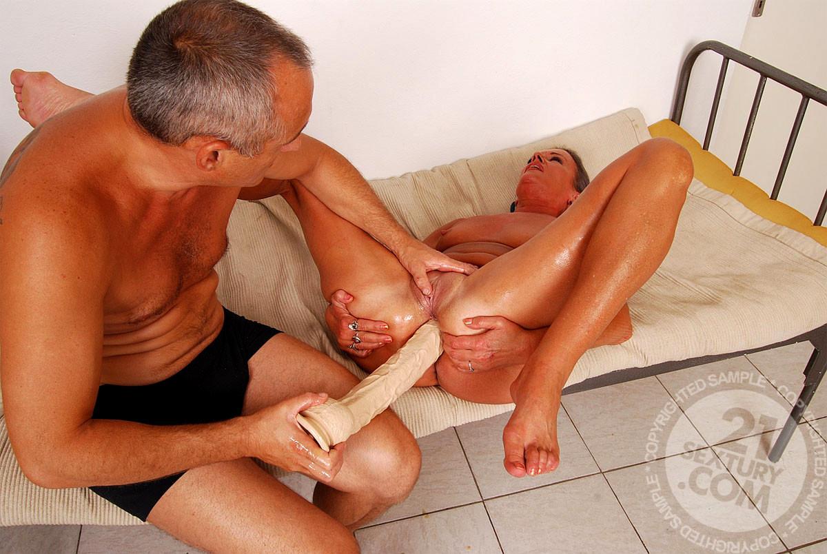 как руку засунуть мужику в жопу - 12