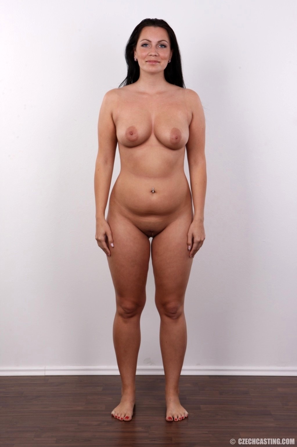 Pictures of nude woman standing #1