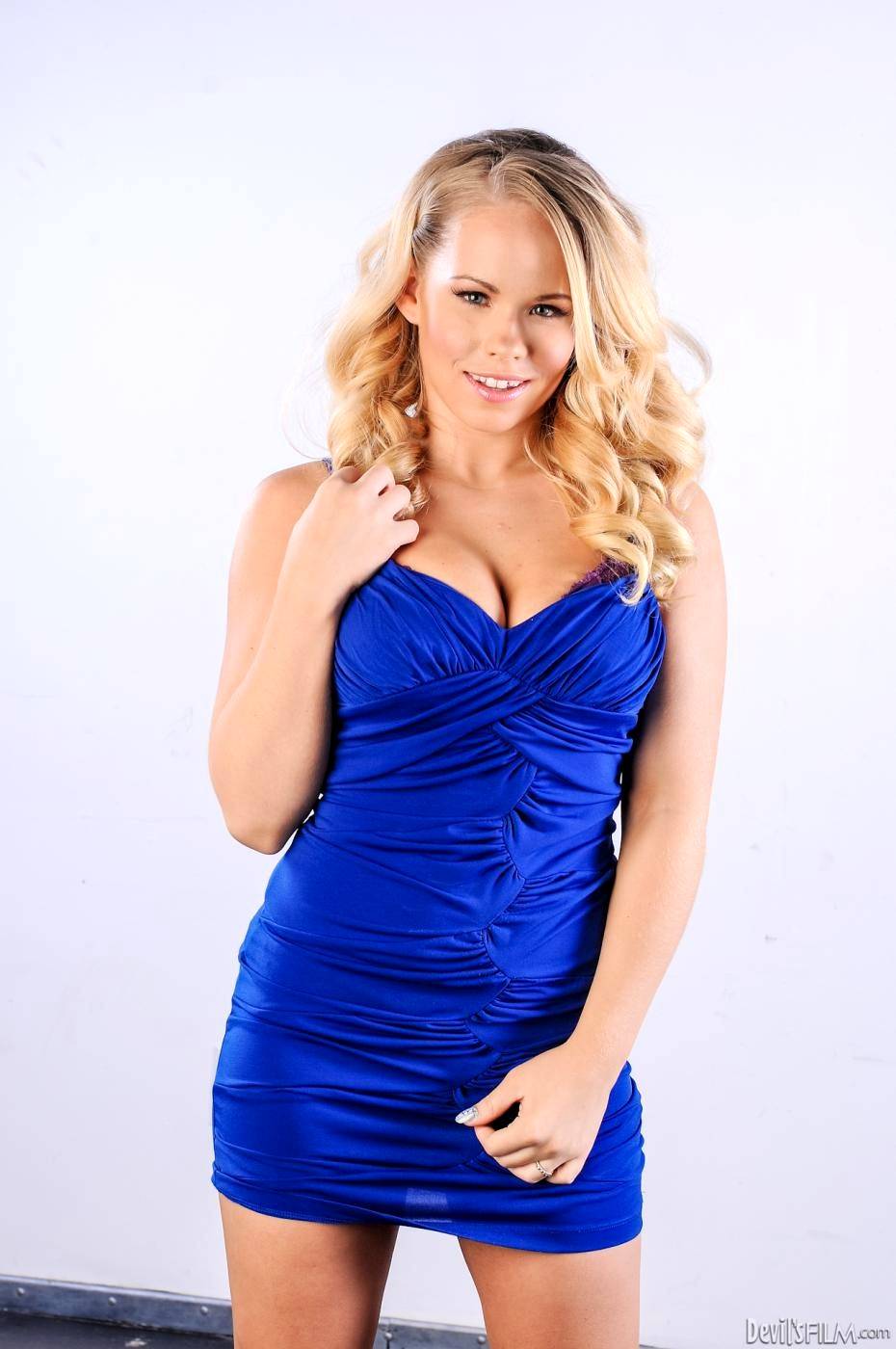 Devils Film Nina Hartley Britney Young Sex Blonde Trainer