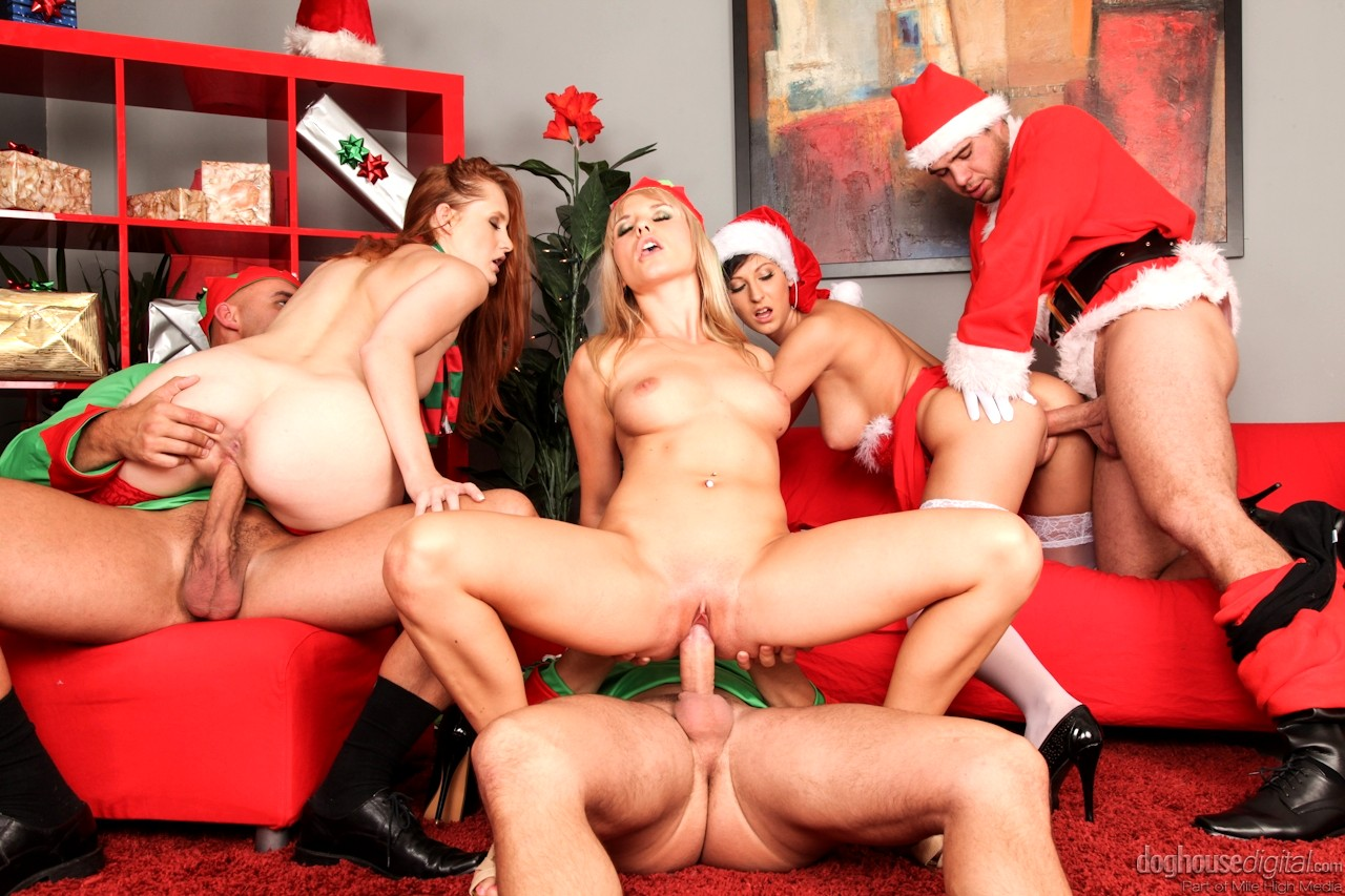 Hot Schoolgirl Surprises Her Teacher With Christmas Sex
