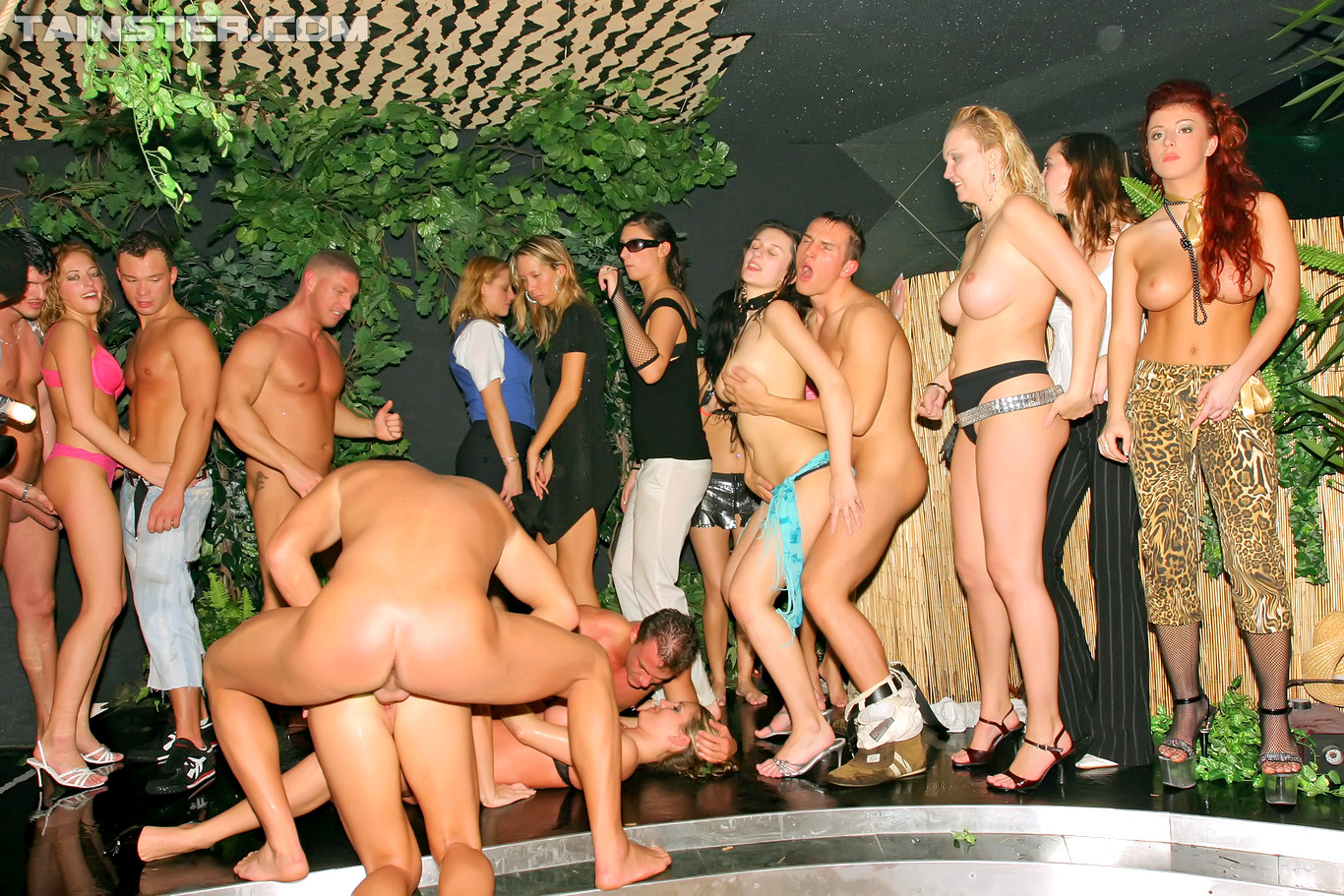 strippers-orgy-video