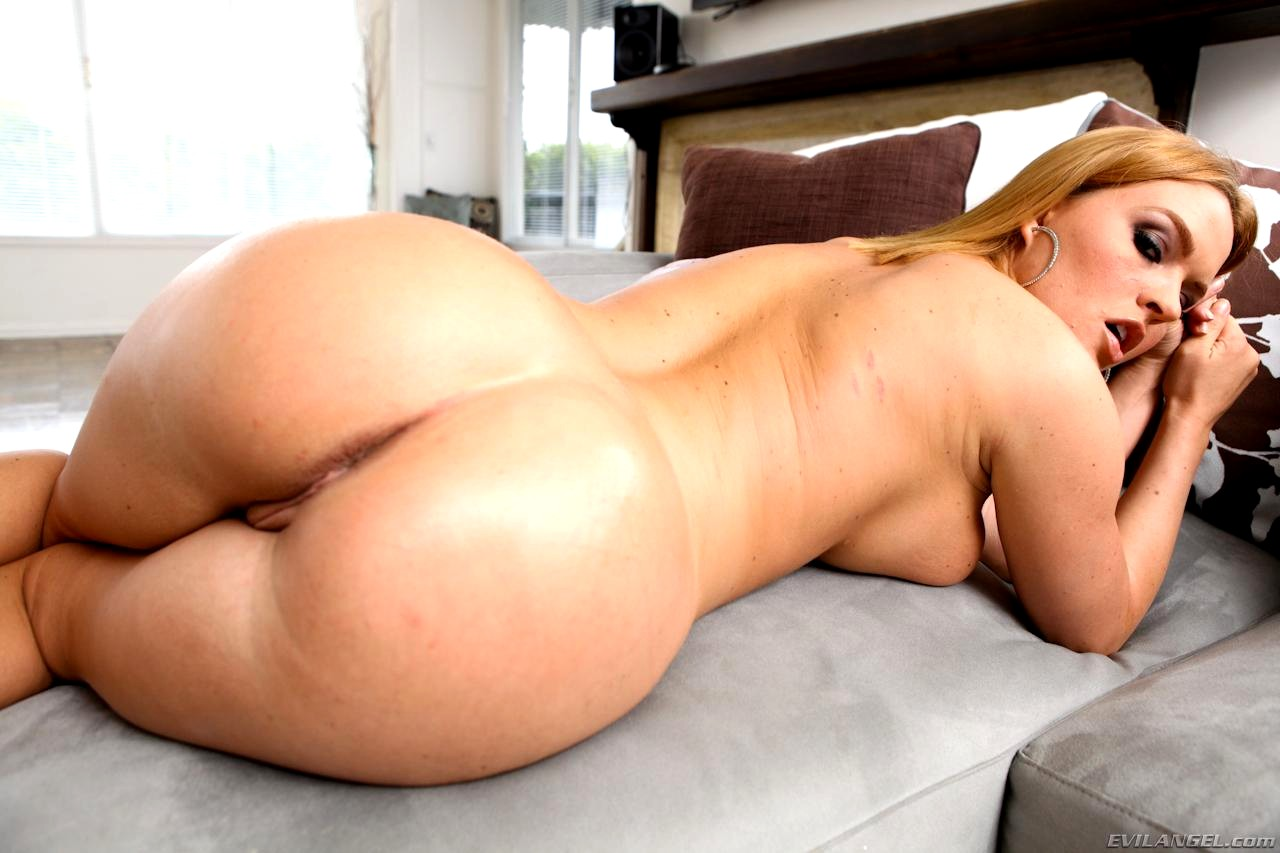 big-booty-young-slut-lady-topless-anul