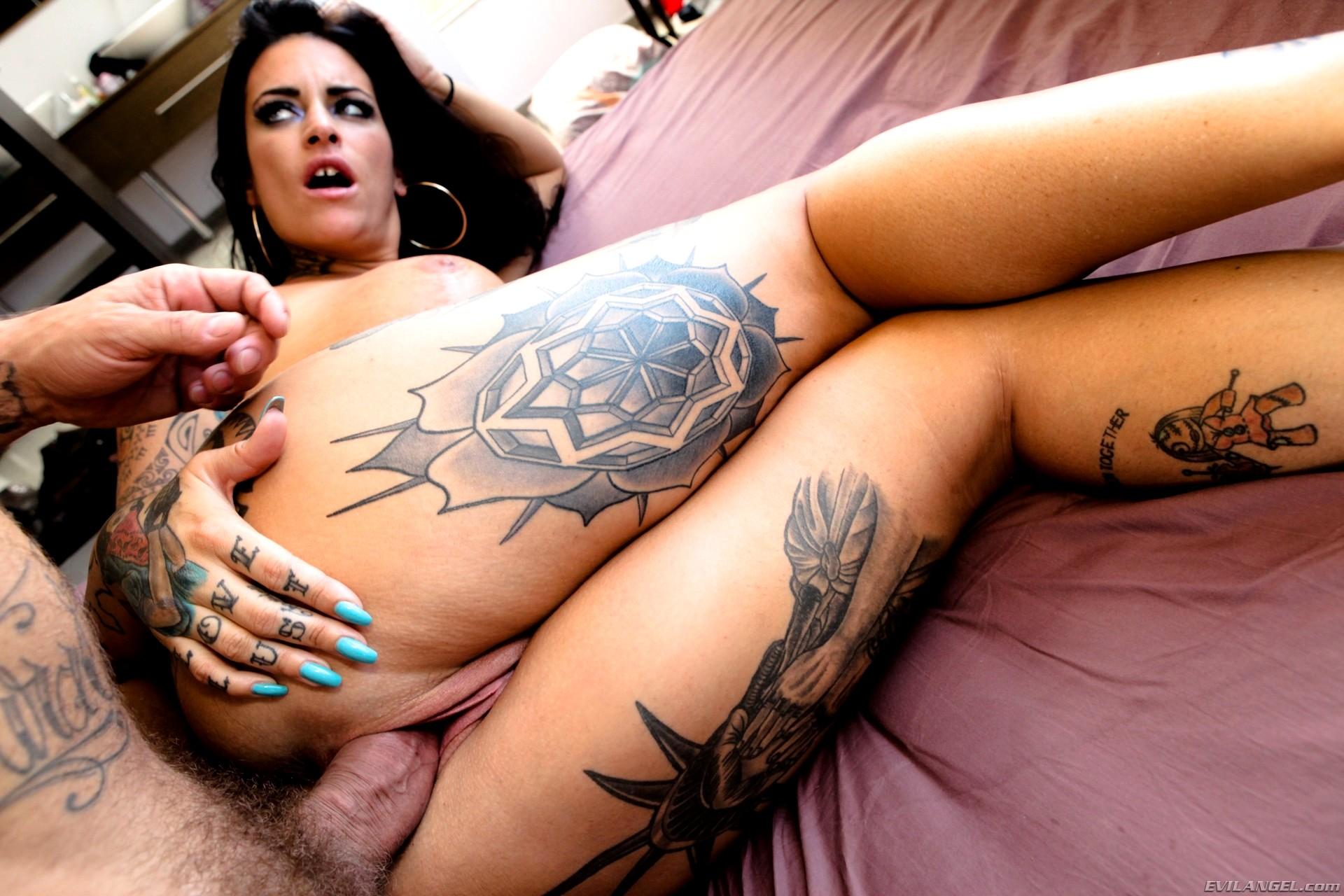 raquel-bigdad-porn-images-amateur-page-girl