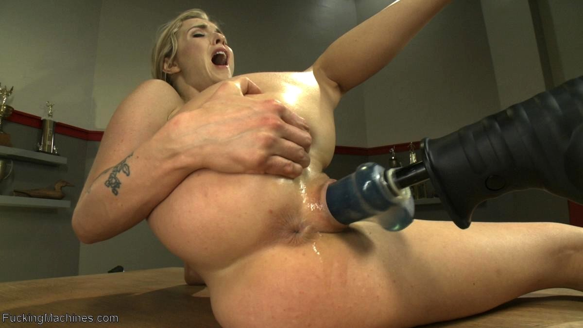 Fucking machine free gallery squirting