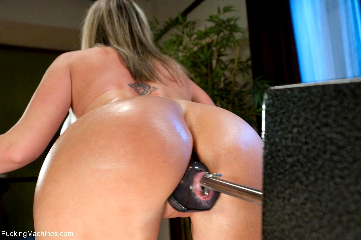 Sybian huge dildo anal squirt orgasm