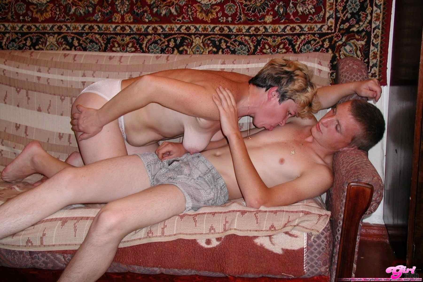 Афганка смотреть порно любительское с мамочками русских свингеров снятый