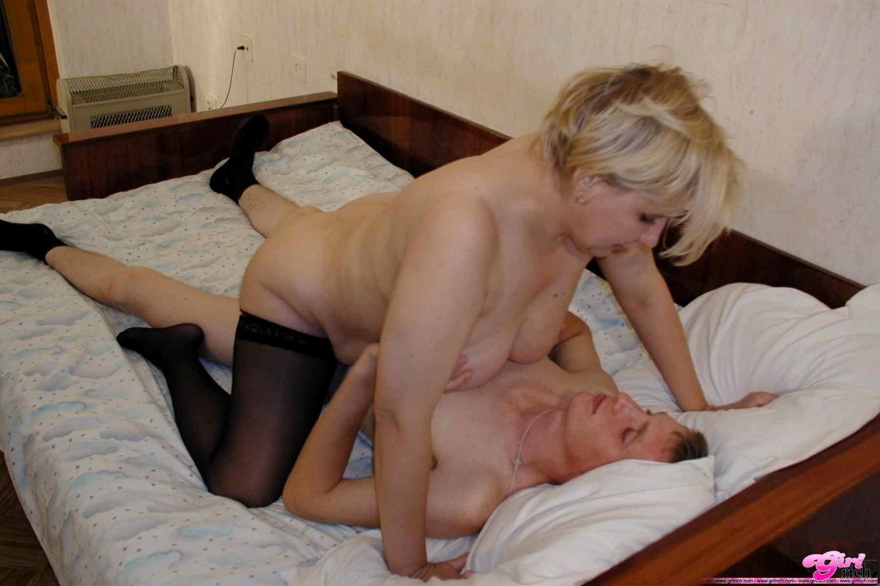 русская зрелая порно соседка бесплатно