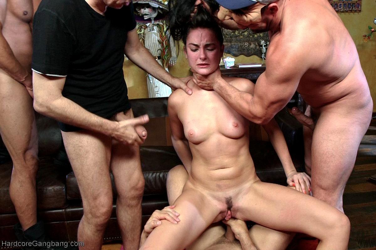 hochu-gang-bang-s-opitnimi-muzhchinami-v-ekaterinburge-foto-porno-anal-zhestkiy