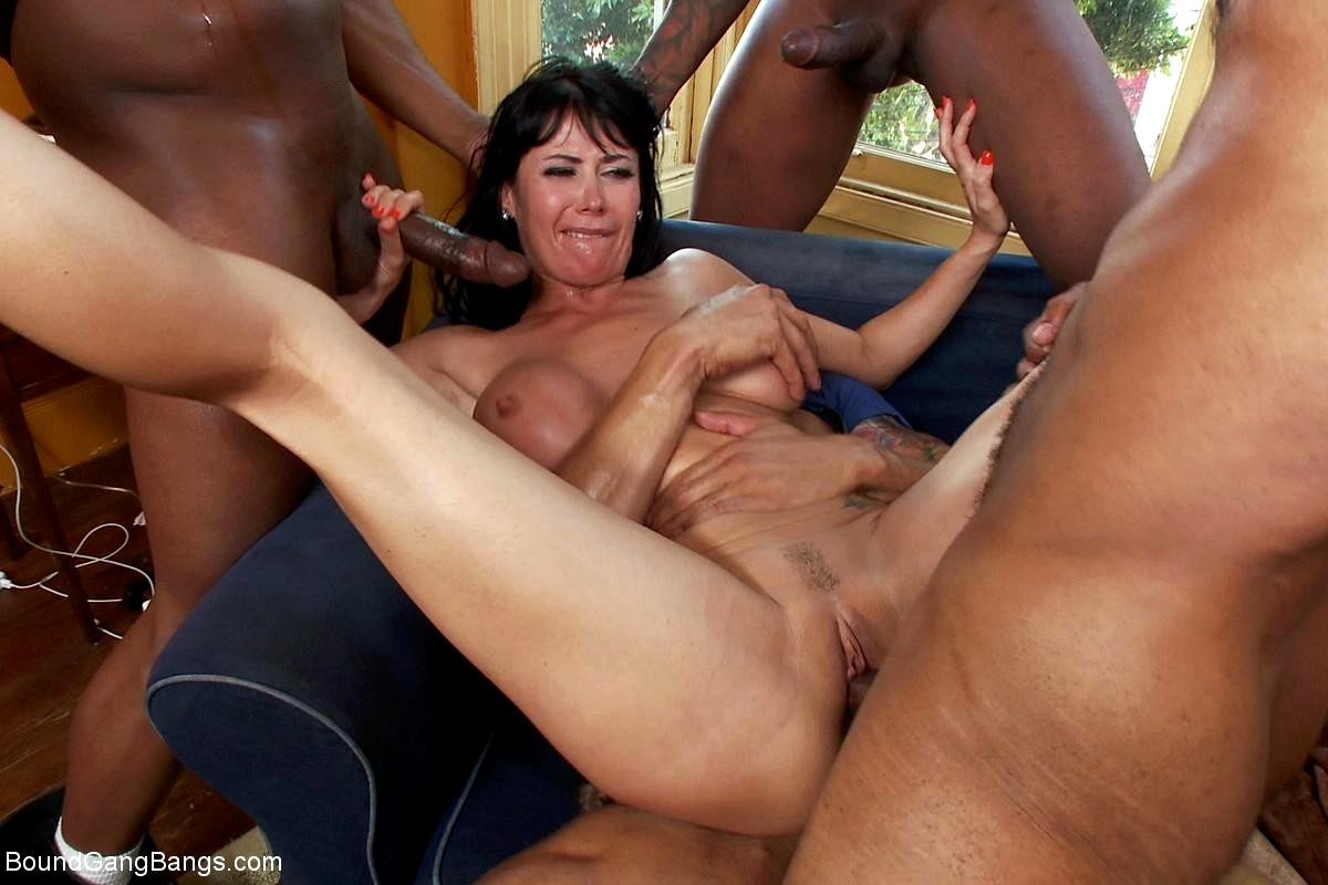 Mature woman getting gang bangtures — pic 7