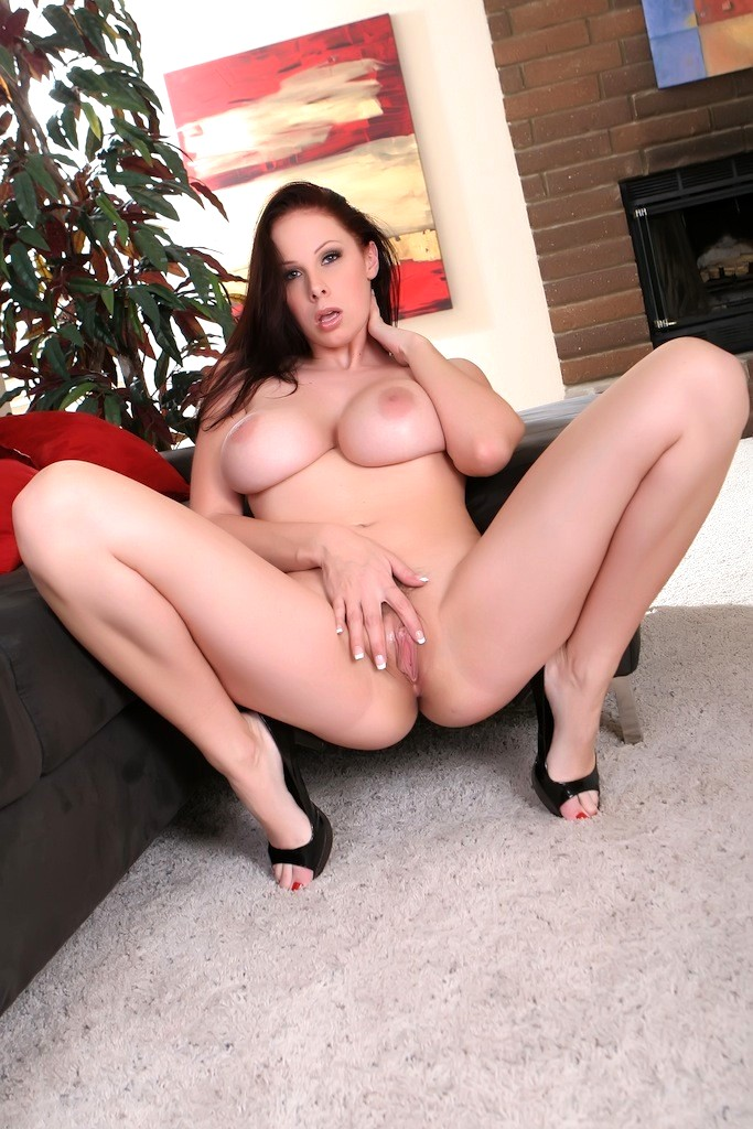 sex-gianna-and-xnxx-sexy-nude-moms-masterbating