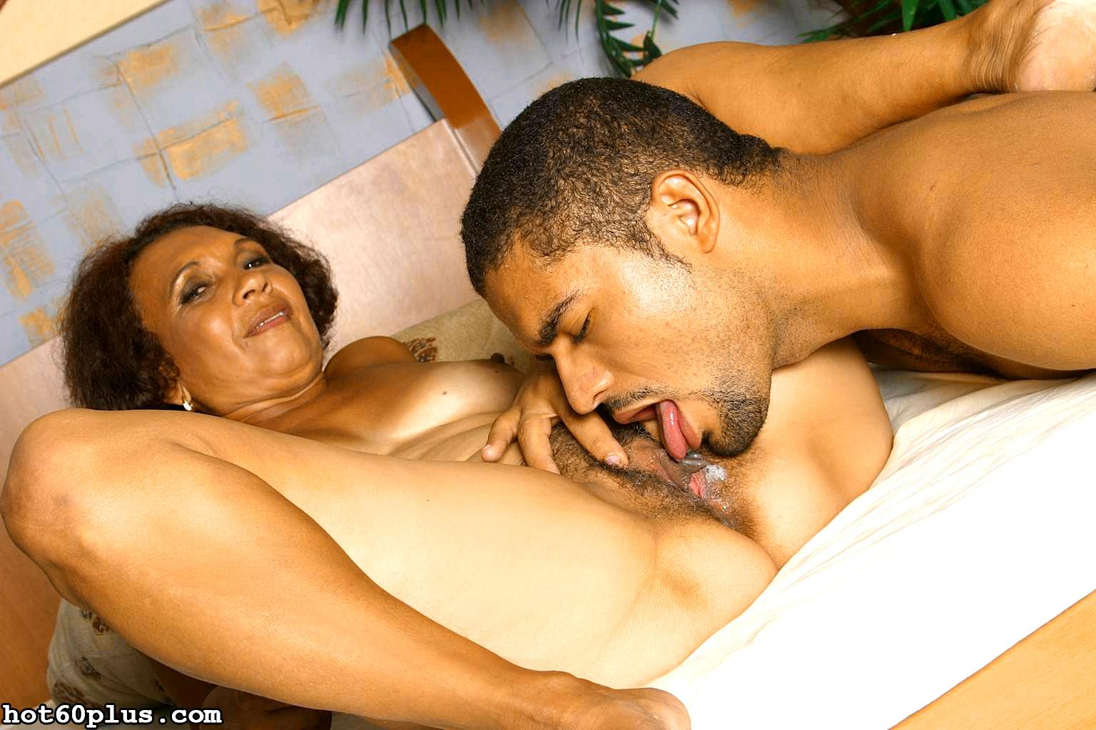 Пожилые латинос секс, две блондинки и паренек жесткое порно