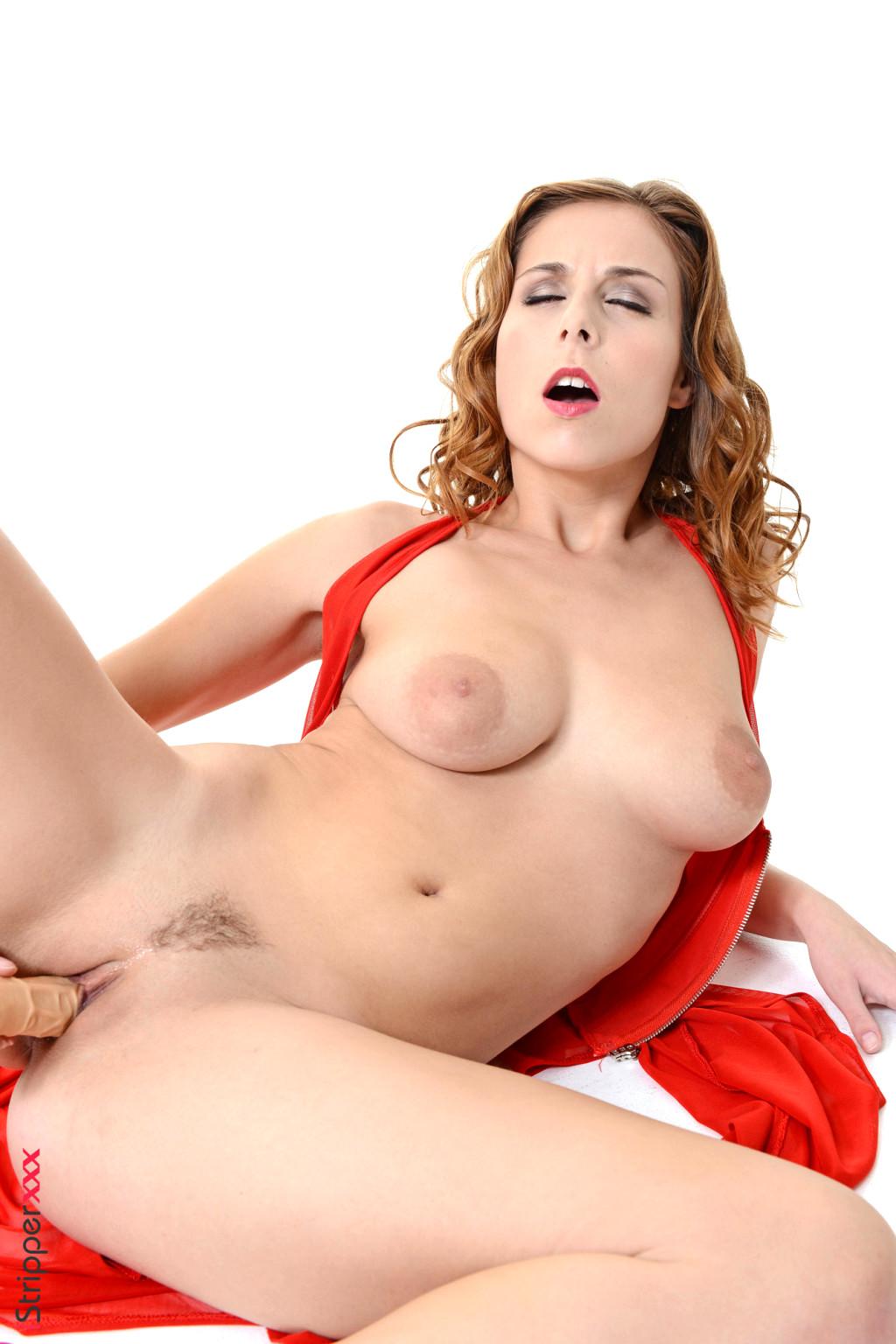 Antonia Raftu Nude