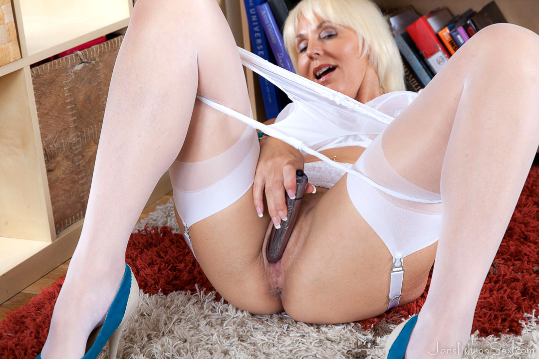 Sexy Mom Jan Burton Spankbang.com 1