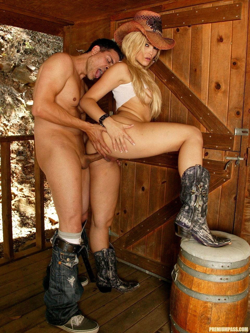 country-girl-taking-my-hard-cock-photos