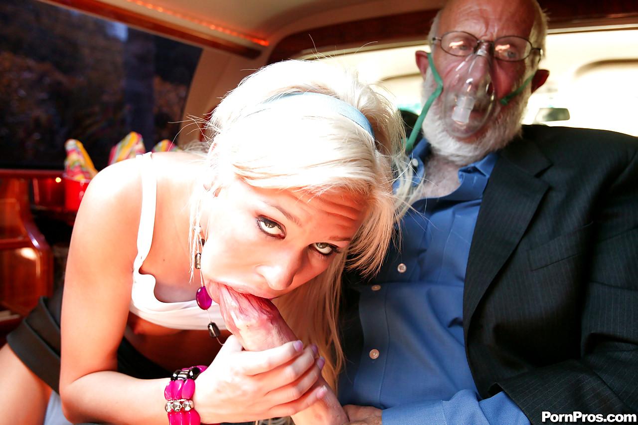 Порно онлайн минет старикам