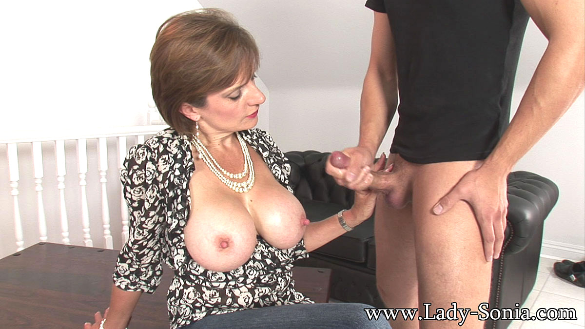 Lady sonia milking cock — pic 2