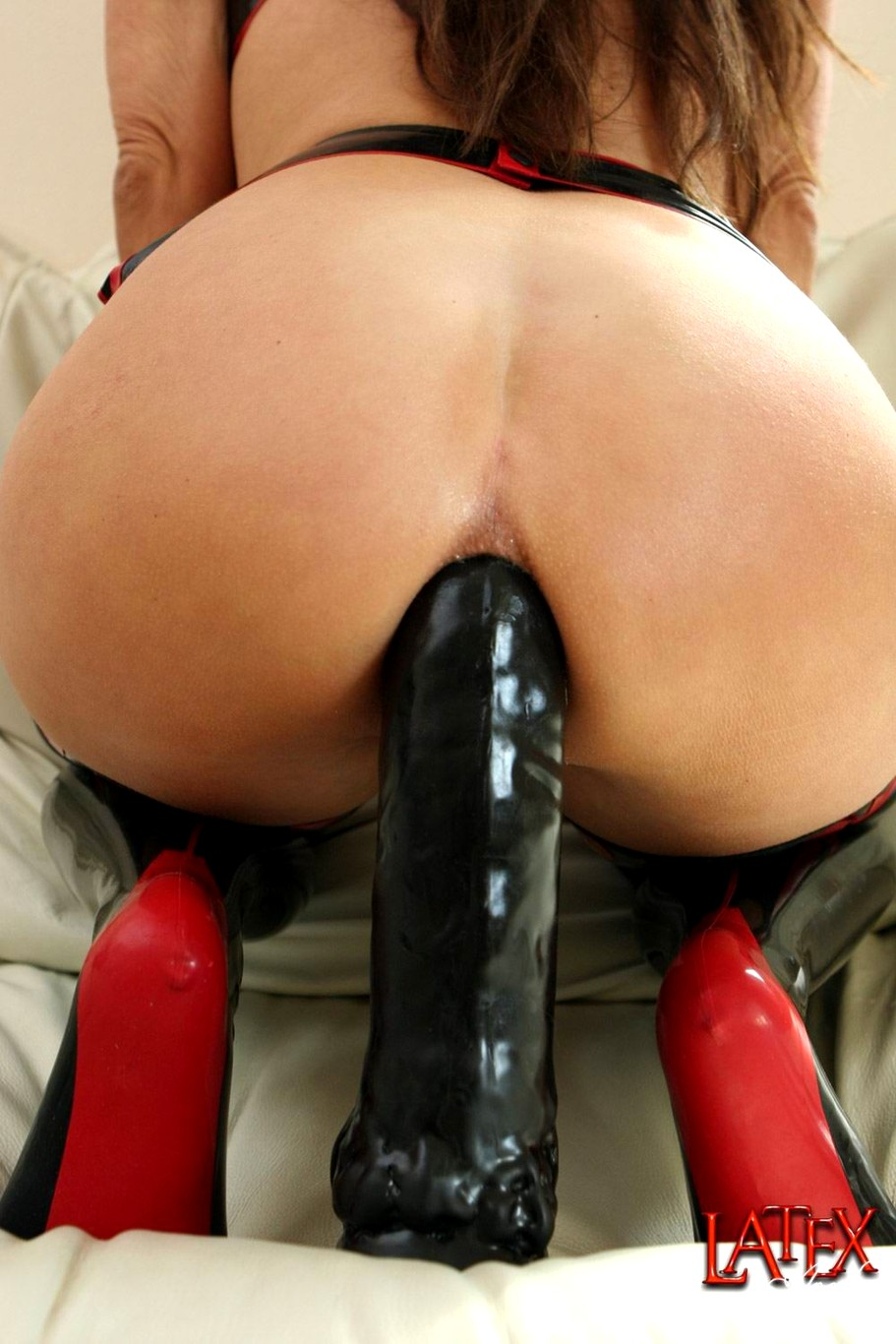free-huge-dildo-penetration-wwe-vickie-guerrerp-topless