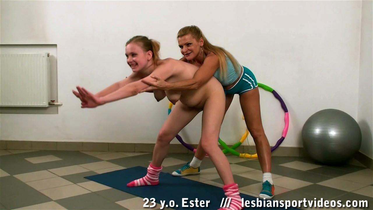 Тренерша по гимнастике лесби — pic 2