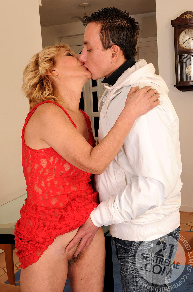 Lusty Grandmas Lili X Rated Mature Moms Proxy Sex Hd Pics-5367