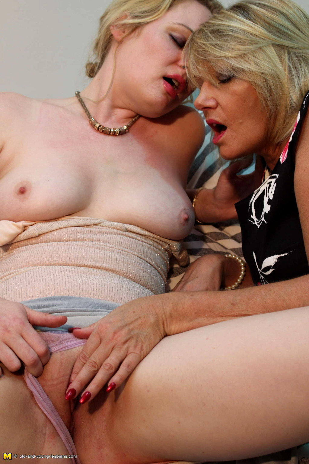 Lesbian mature gallery