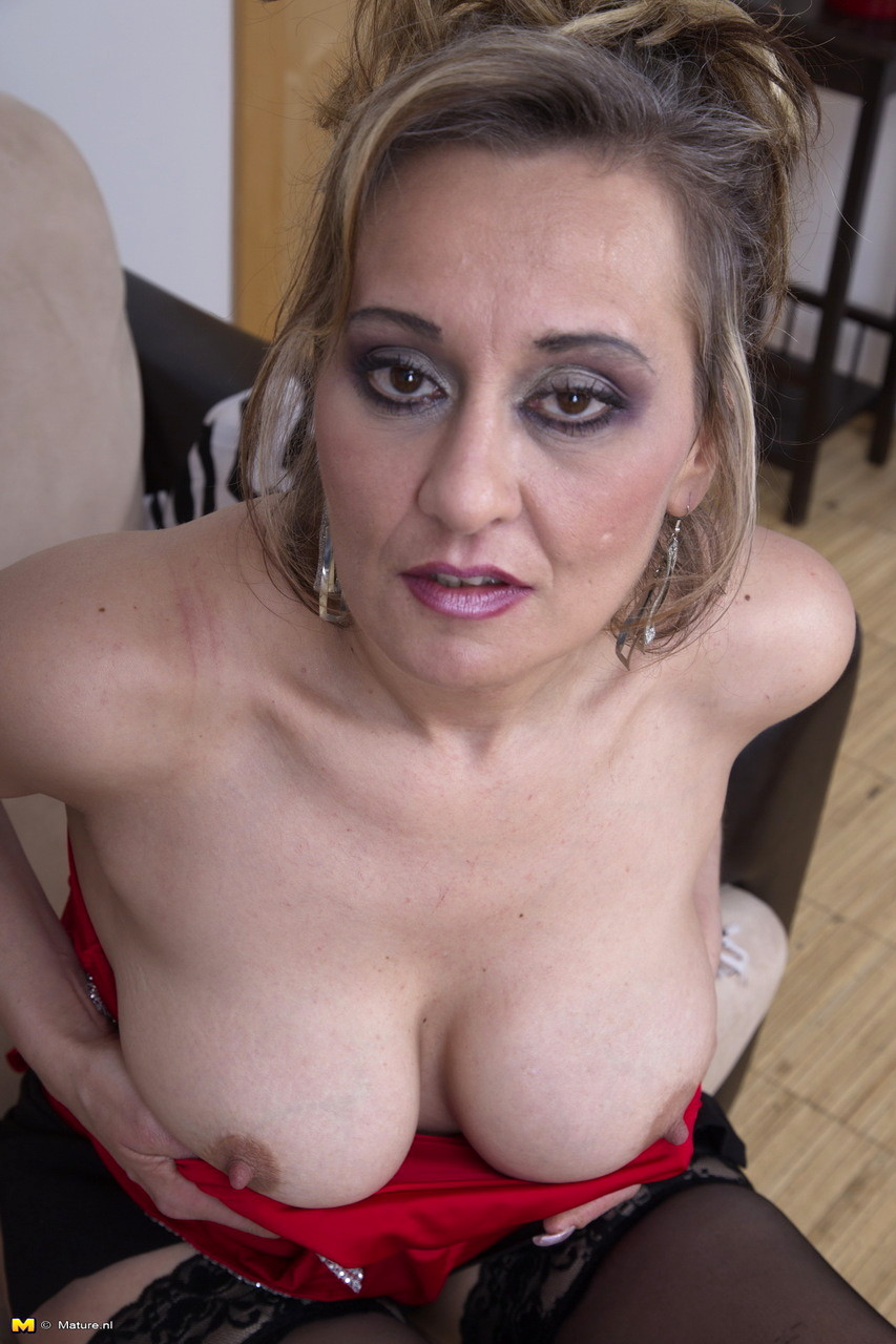 Mature Nl Maturenl Model Awesome Clothed Mobi Video Sex Hd -6019