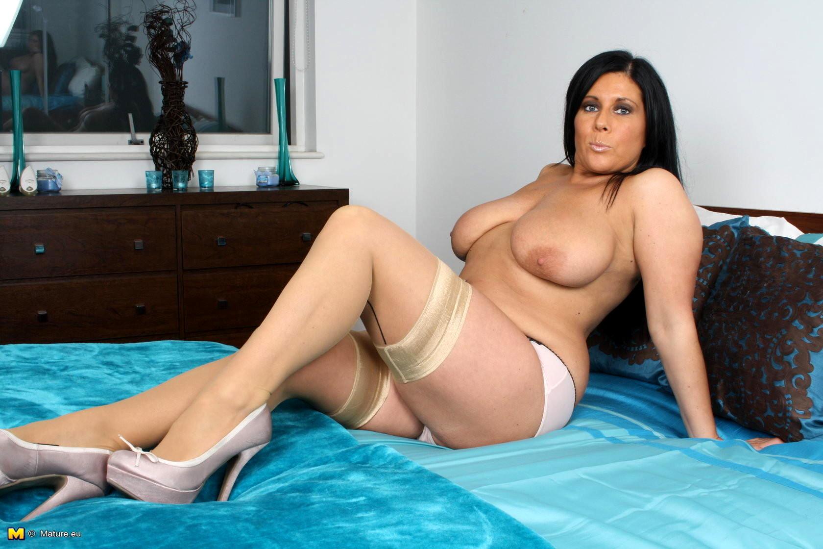 Mature hot boobies