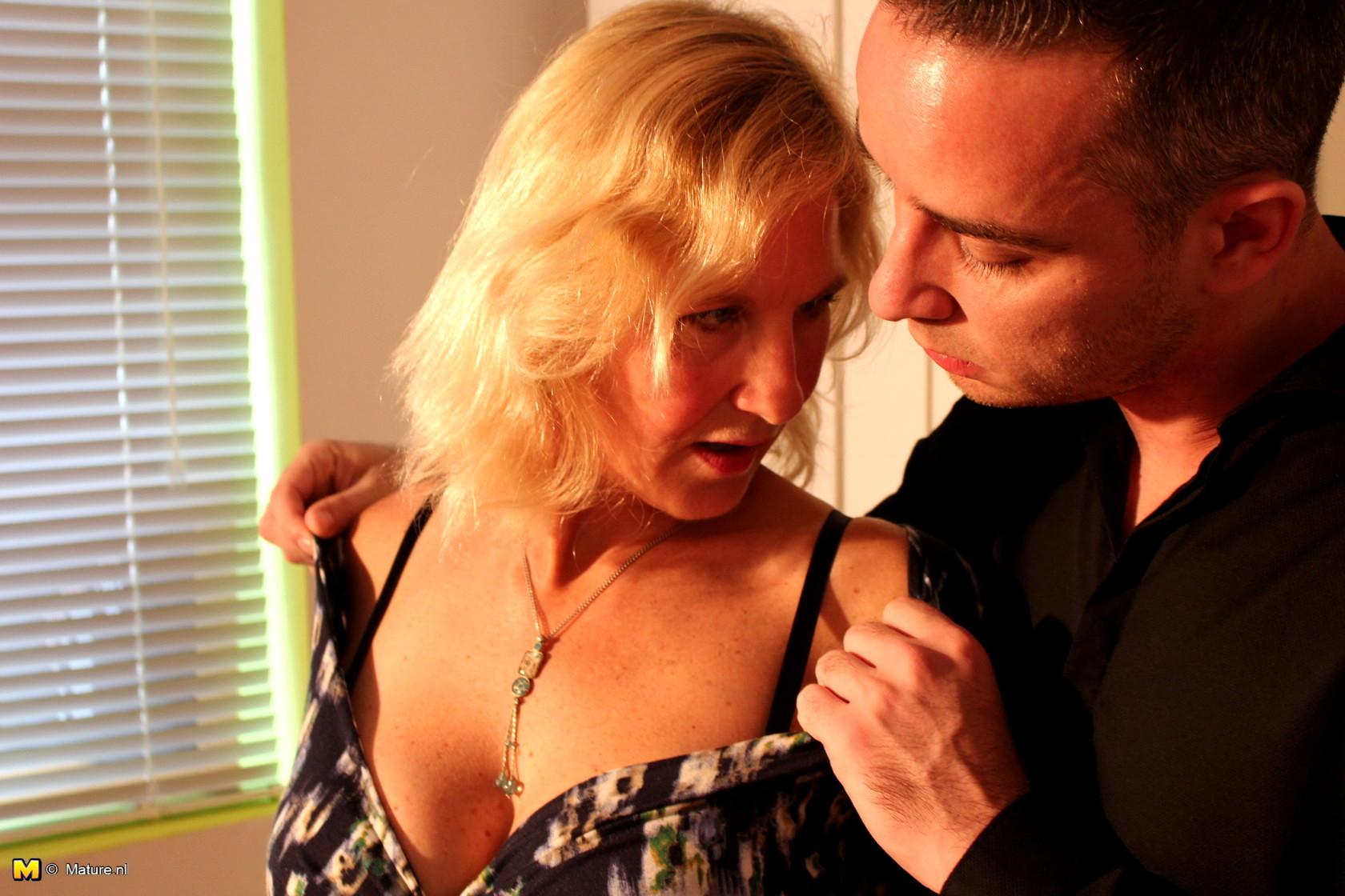 seduced-mature-women-young-men-singles-party