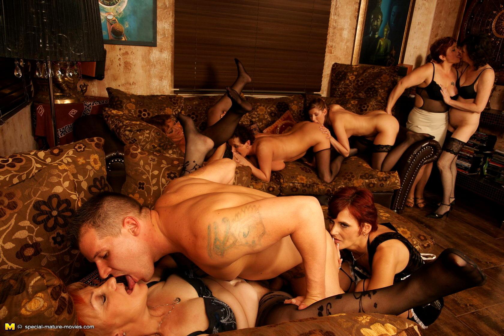 Порнофильмы порно разврат взрослых порно фильмы
