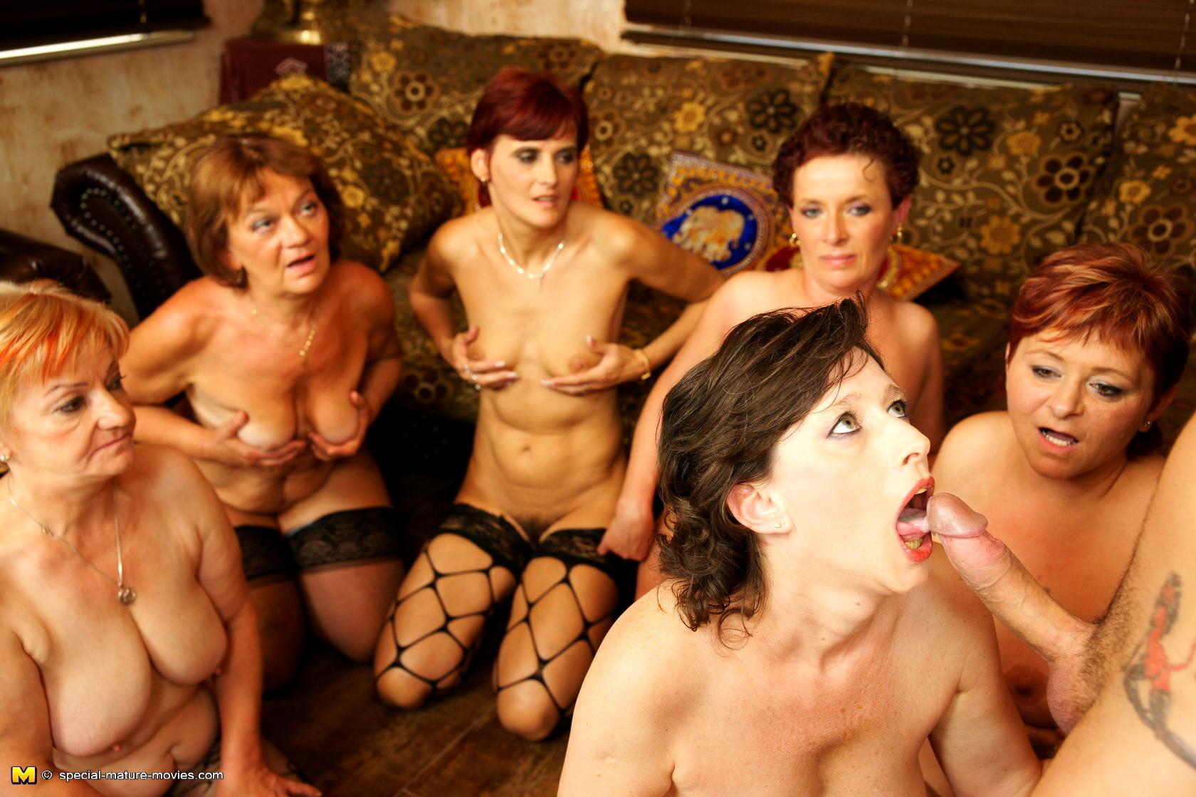 оргии зрелых порно-фото