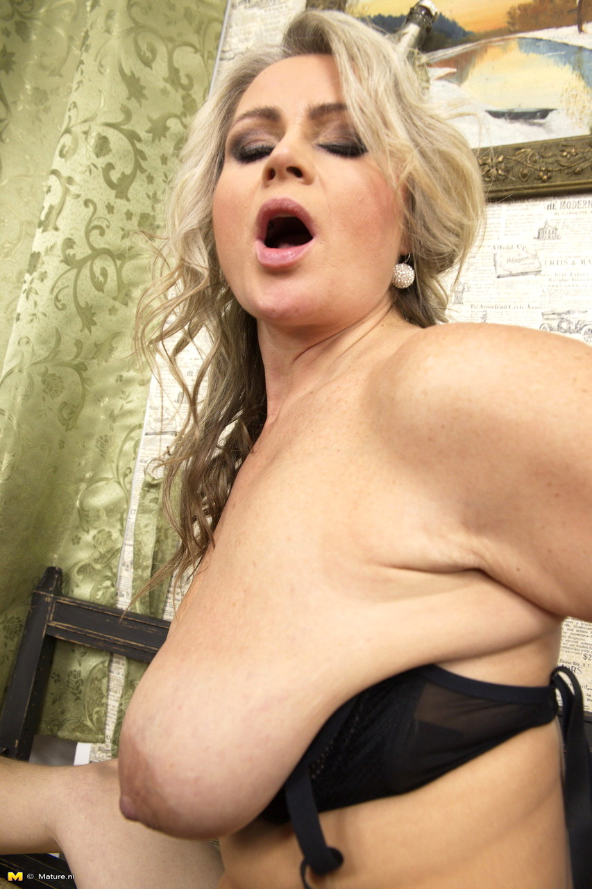 Big boobs mature porn
