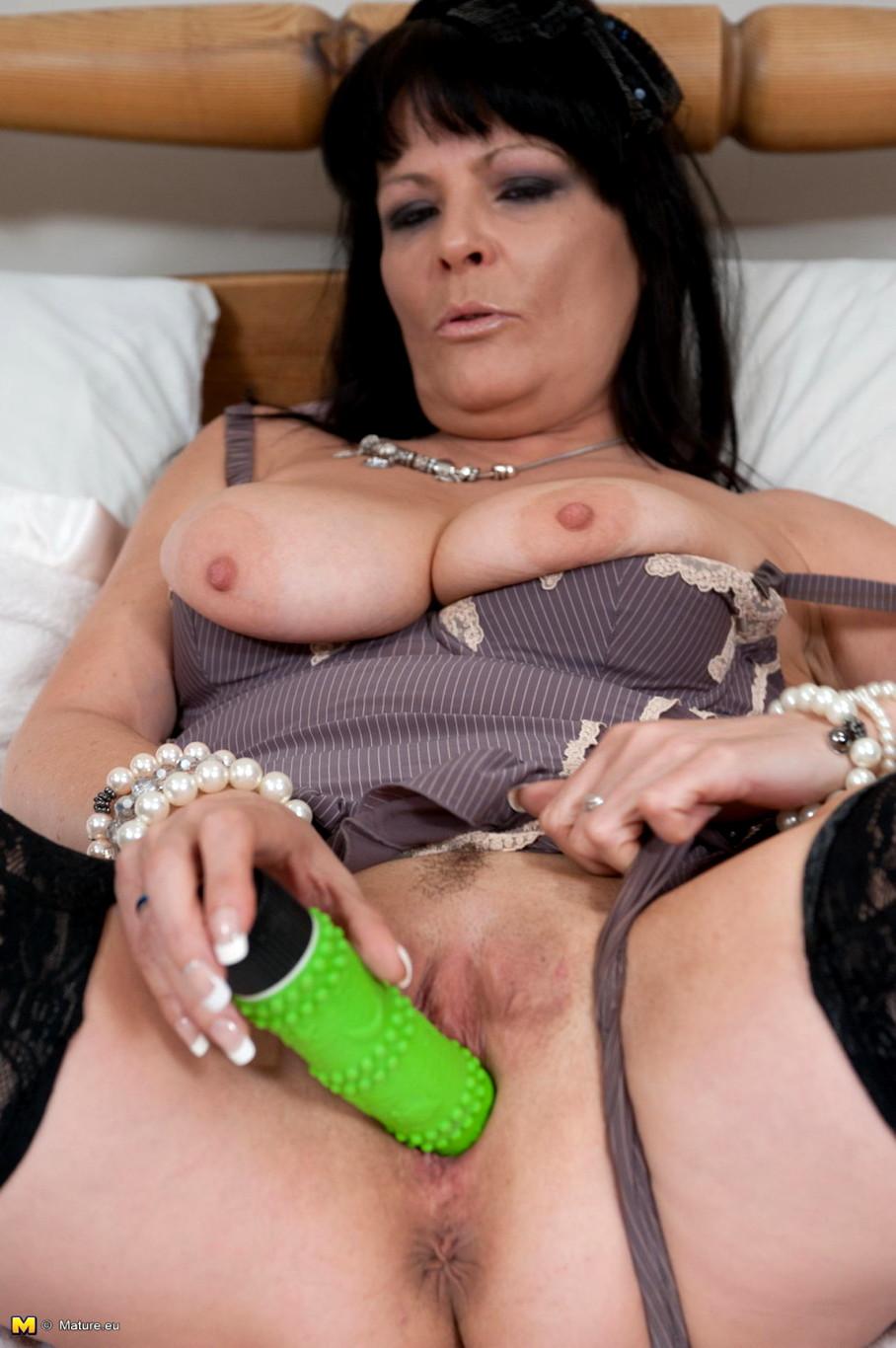 Deep dildo mature tubes, devine love nude