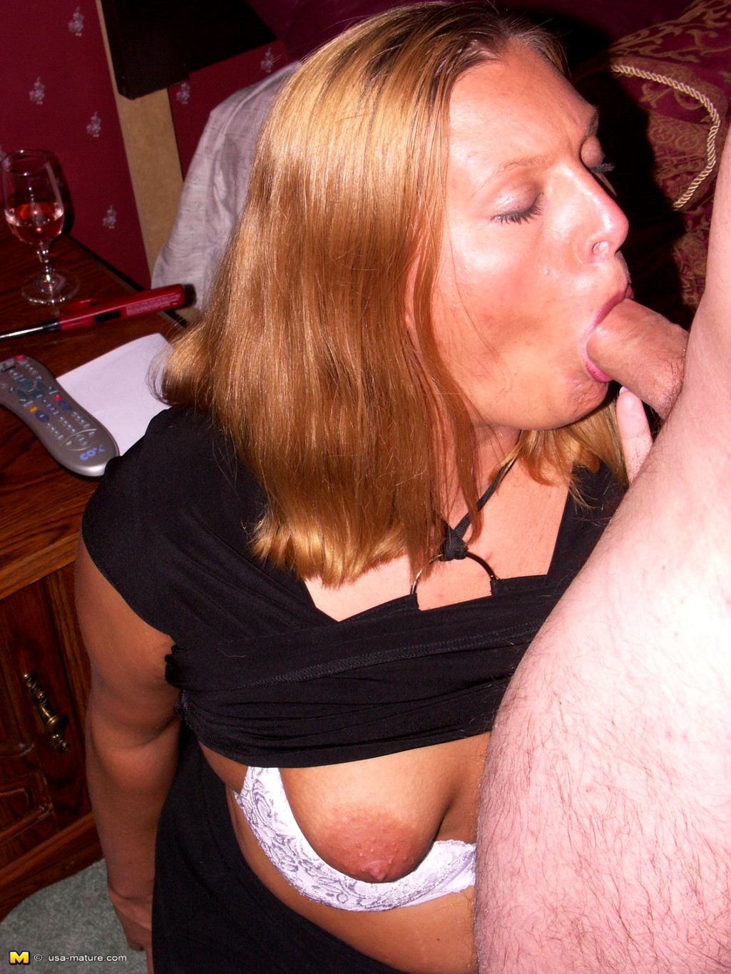 Housewifes blowjobs 6