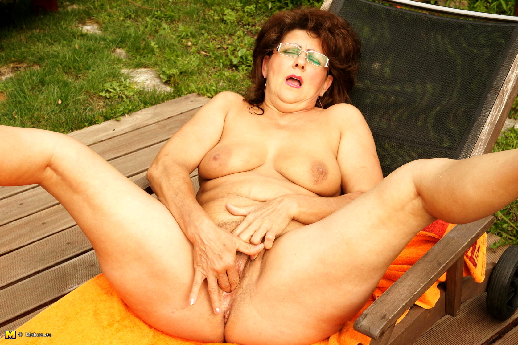 Mature nude sites — 10