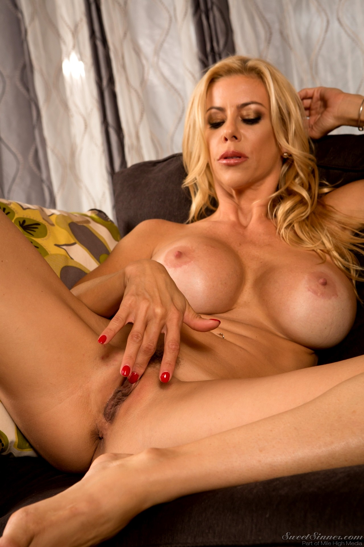 hollywood film nude ladies