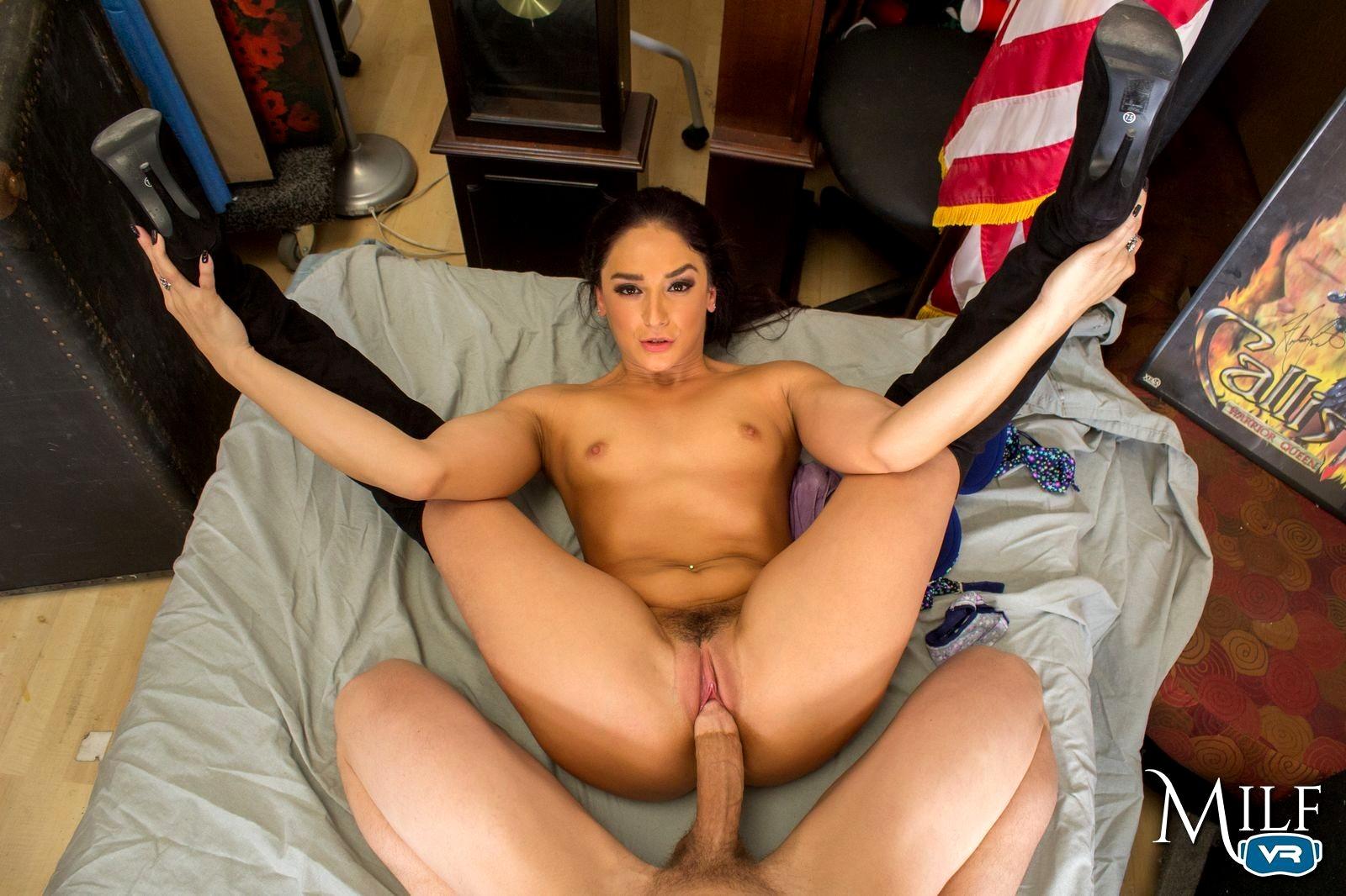 Секс на шинах, Шина Шоу - бесплатное порно онлайн, смотреть видео 23 фотография