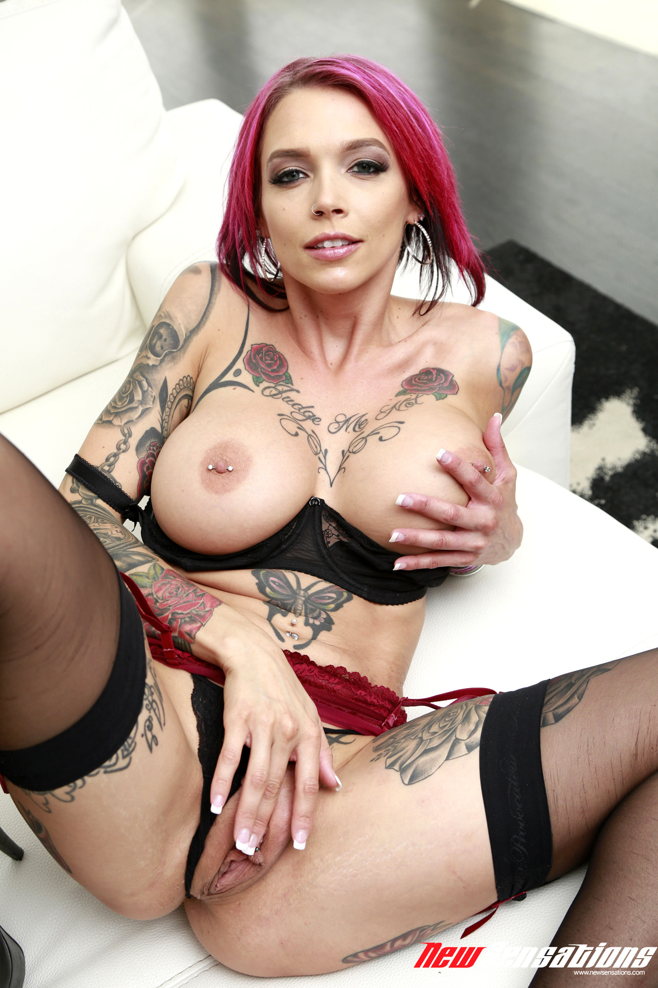 Anna Bell Peaks Squirt